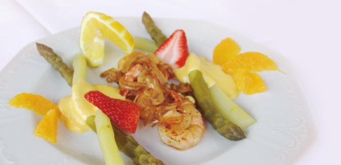 Restaurant Traube Rebstein Spargel Spargelgericht Scampi Früchte saison regional frisch und gesund